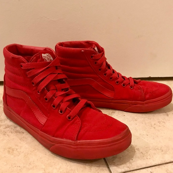 b557708dc23c48 All red Vans high tops. M 5c5875b112cd4afa14e581a0